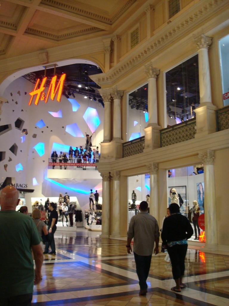 H&M-Las-Vegas-Ceasar-Palace